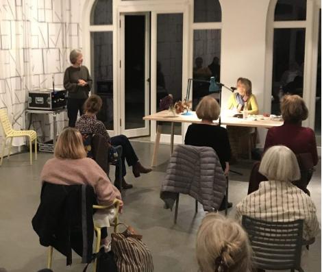"""Buchpremiere """"Die Kunst der Großzügigkeit"""" mit Susanne Kippenberger"""