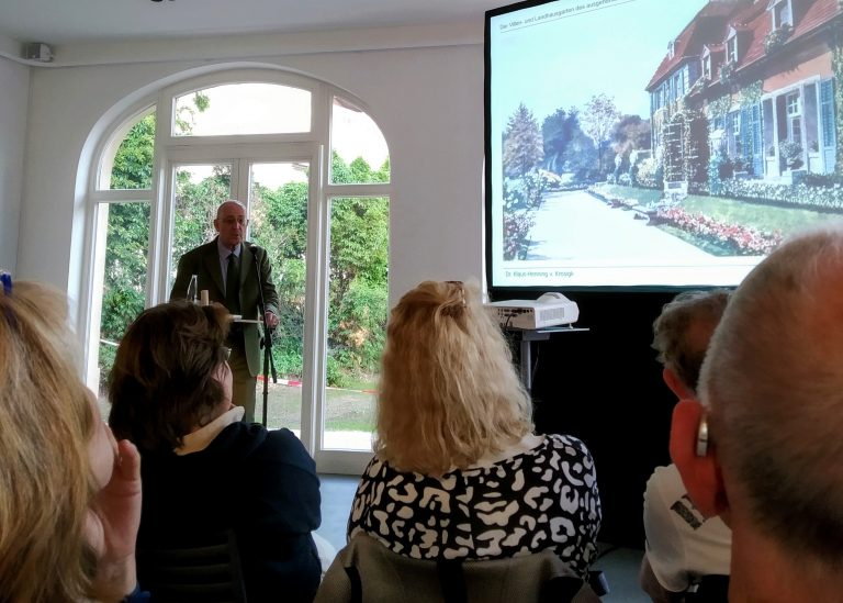 "Talk ""Villa and Cottage Gardens in Berlin"""